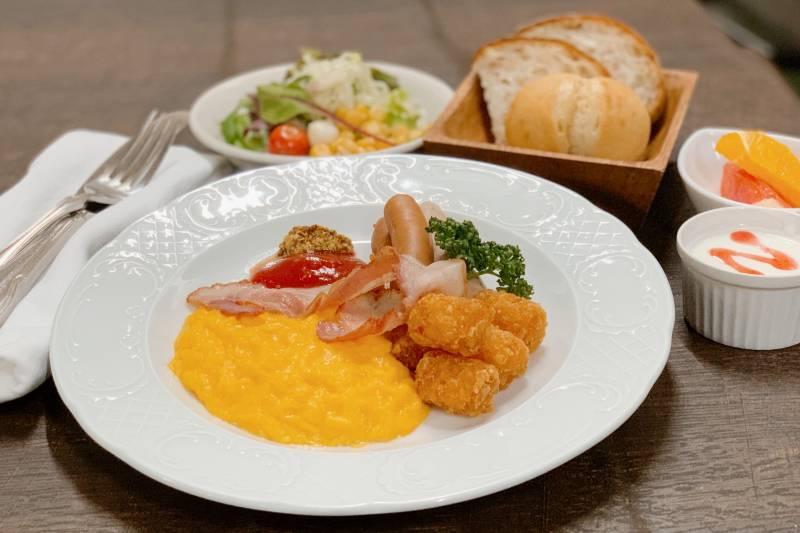 【朝食】アメリカンブレックファスト盛りつけ例